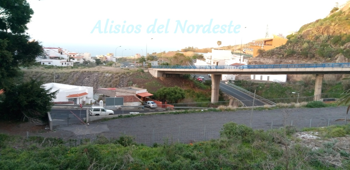 Desconcierto en Tejina por el cierre de los aparcamientos de la presa
