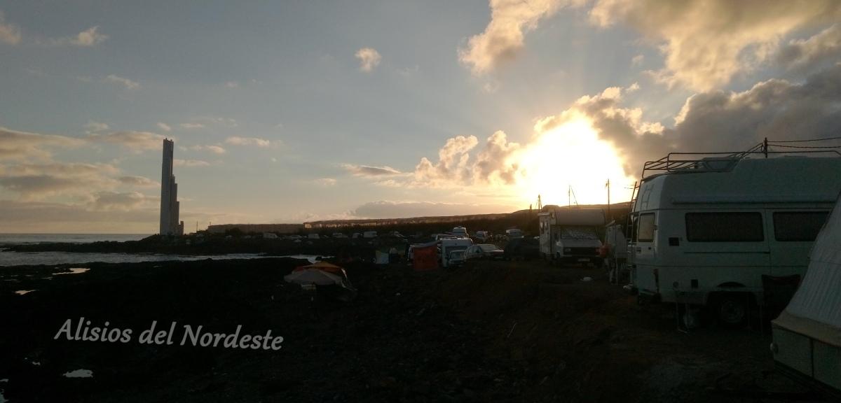 Punta del Hidalgo se organiza contra las caravanas y los campistas tras la rotura de cristales